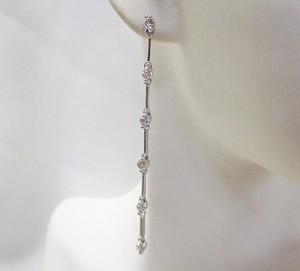 0.5ctダイヤのロングイヤリングが豪華♪K18WG
