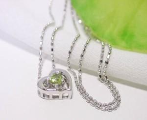 【選べる素材】8月誕生石:ペリドットがステキなハート型 ネックレス