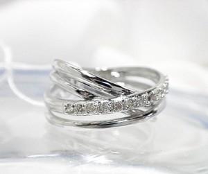 0.18ctダイヤのボリューム感が嬉しいリング