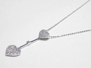 0.35ctダイヤモンドのハートがスィング♪K18WGネックレス