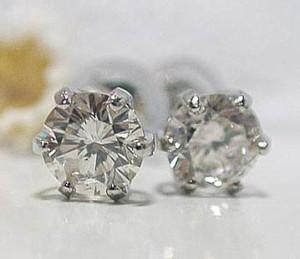 0.5ctダイヤモンドプラチナピアス