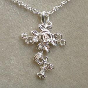 薔薇の十字架 ローズクロスシルバーネックレス レディースアクセサリー バラ 花 フラワー
