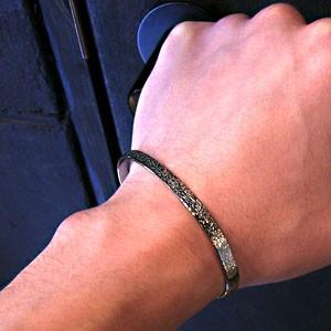 31%OFF! 木肌模様 純チタンバングル SAVER ONE(セイバーワン) /メンズ ブレスレット 腕輪 チタンアクセサリー チタニウム