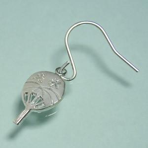 小さなうちわ シルバーフックピアス (2P両耳) レディースアクセサリー スイング 団扇 和風 シルバー925 アメリカンピアス