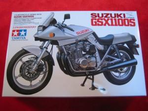 【遠州屋】 スズキ GSX1100S カタナ 1/12スケール タミヤ模型 (10) (市)★