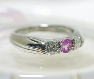 ピンクサファイアとダイヤモンドのPt900リング