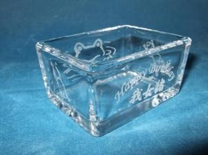 ★縁起物カエルガラス小物入れ♪プレゼントに最適!