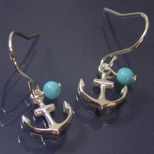ターコイズと小さなイカリシルバーフックピアス (2P両耳) レディースアクセサリー 錨 SV925 アメリカンピアス