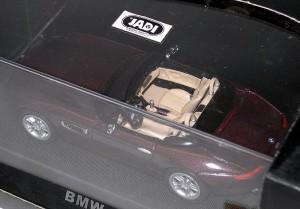 ダイキャストモデルカー【BMW Z8 レッド】★特価