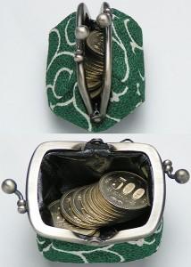 【和柄がま口財布】和柄で作ったプチがま口です。プチサイズがカワイイです。(色K3.唐草桃)
