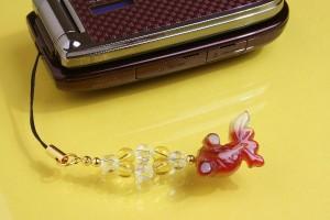 【送料無料!ポイント2%】開運!縁起の良いかわいい金魚♪金運 金余(きんぎょ)ストラップ
