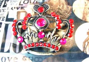 ☆送料無料★ハートの女王さまの王冠ブローチ☆