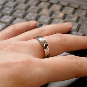 31%OFF! 槌目模様 純チタンリング 7〜19号 SAVER ONE(セイバーワン) /メンズリング 指輪 チタニウム 金属アレルギーフリー