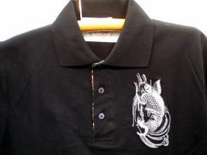 カラクリ 半袖ポロシャツ 鯉刺繍 KARAKURI