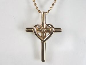 クロスとハートのK18ピンクゴールドネックレス