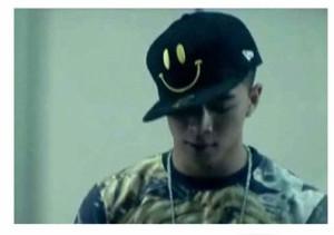 韓国☆スターグッズ☆ BIGBANG(ビッグバン)のSOL(ソル)のSmile帽子(4カラー中選択)