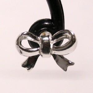 小さな可愛いリボン シルバースタッズピアス (2P両耳) レディースアクセサリー スタッド