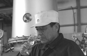 白露酒造 白露【黒麹】 芋焼酎 1800ml