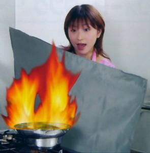 消火くん(収納ケース付)【送料無料】 消火シート