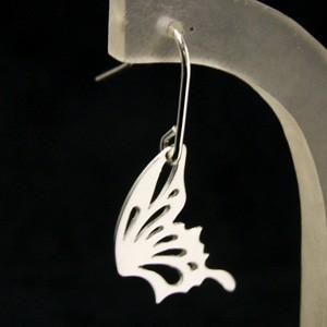 蝶々の羽根シルバーフックピアス (2P両耳) 【舞 -mai-】 レディース メンズ 和風 ちょうちょ アメリカンピアス 【ブランド仁-ZIN-】