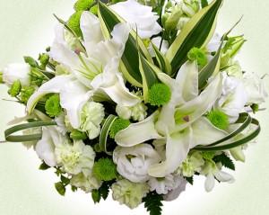 お供え花 【送料無料】カサブランカの入った白とグリーンの清楚なアレンジ 【お墓参りに】 お供え 【お悔み】 【翌日配送 あす着対応】