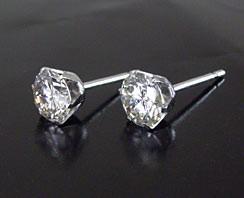 【鑑別書付き】 1カラット ダイヤモンド ピアス プラチナ900  3営業日前後の発送予定
