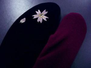 振袖&袴&着物に ラインストーン刺繍ストレッチ足袋桜黒ボルドー