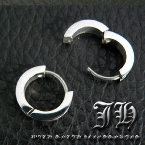 【sp17】小悪魔ピアス♪1個売り!!最高級ステンレスsvピアス!!★ライン/シルバーcolor