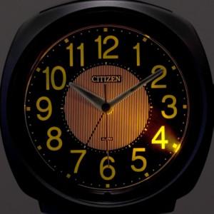 リズム時計[シチズン]目覚まし時計 サイレントミグ638 8RE638-018 シャンペンゴールドアナログ ラッピング無料