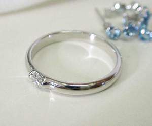 【お届け2週間】一粒ダイヤモンド プラチナリングHケース付き:送料無料