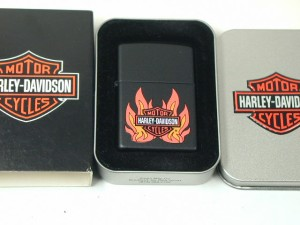 絶版ジッポーZippo ハーレーHarly炎ブラックマット(USA)Harley Davidson新品