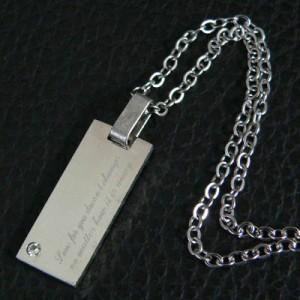 【snt14】CZダイヤ付高級ステンレスネックレス★刻印「どんなに離れていても変わらないあなたへの愛」●snt