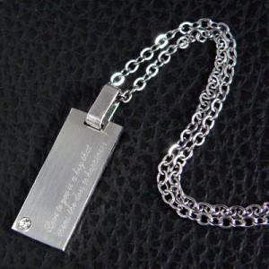 【snt15】CZダイヤ付高級ステンレスネックレス★刻印「あなたへの愛は幸福への扉を開く鍵です」●snt