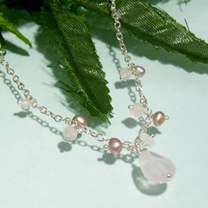揺れるピンクのしずく♪ローズクォーツの雫シルバーネックレス パワーストーン レディースアクセサリー 淡水パール