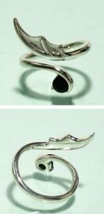 デビルウィング・ブラックジルコニアシルバーリング フリーサイズ(3〜7号) /シルバーアクセ/シルバーアクセサリー/指輪
