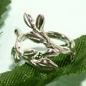 可愛らしい小枝のシルバーネイルリング (フリーサイズ) /指輪/レディース/シルバーアクセサリー