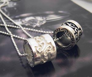 ≪Silver925≫シルバー925〜唐草模様彫り 丸管ネックレス〜(SN0670/SN0671)