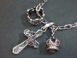 王冠クロス3Pネックレス・メール便(ゆうパケット)なら送料無料・シルバー・Rock・十字架・お兄系・ロック・キレカジ・M-1893