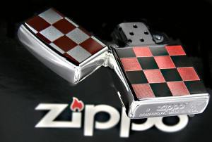 【ZIPPO】チェック柄ジッポ レッド★チョットおしゃれな春のNEWデザインカラ−