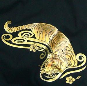和柄むかしむかしTシャツ 金箔押し桃虎