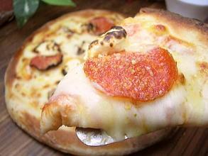 ピザ★チーズ&チーズ[ホワイトソース]PIZZA(20cm)★本格ピッツァ/チーズ/パーティー/お惣菜/ギフト