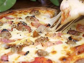 ピザ★イタリアンソーセージとベーコンのPIZZA★本格ピッツァ/チーズ/パーティー/お惣菜/ギフト