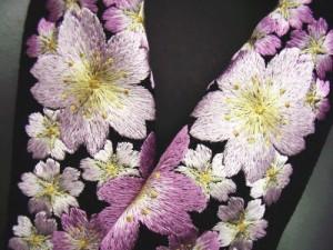 振袖成人式&袴・着物に ぎっしり刺繍半衿半襟黒地桜桜