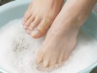 【足、ブーツの臭い、ムレ、角質、ガサガサ!】雑誌ViVi7月号掲載!足のトラブル専用♪胡桃のスクラブ入り!すあしびじん
