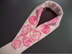 ぎっしり刺繍半衿半襟ベビーピンク地薔薇 振袖成人式&卒業式袴・着物に