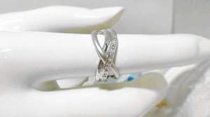緩やかカーブラインが美しい ダイヤモンドプラチナリング