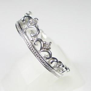 王冠デザインの可愛いK18WGリング(お届け3週間)