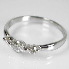 0.3ctダイヤモンドプラチナ900リング:送料無料/ケース入り