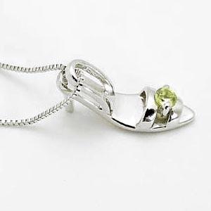 8月誕生石ペリドット 選べる誕生石 小さなシンデレラの靴?K10ホワイトゴールドネックレス:5日以内