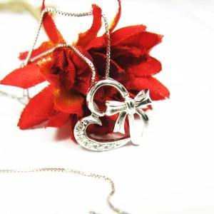 0.05ct天然ダイヤモンド幸せのリボン&ハート ネックレス レディースK10WG【ケース&保証書付】 送料無料